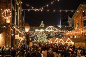 christmas-market-on-saturday-night